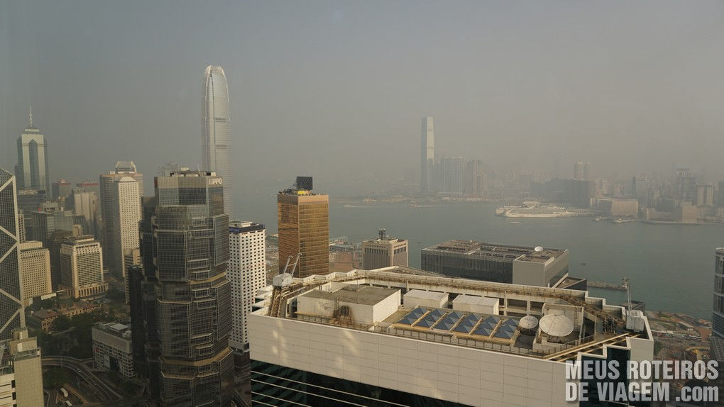 Vista do quarto para a Victoria Harbour - Hotel Conrad Hong Kong