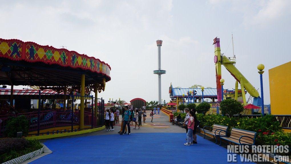 """Área temática """"Thrill Mountain"""" - Ocean Park, Hong Kong"""