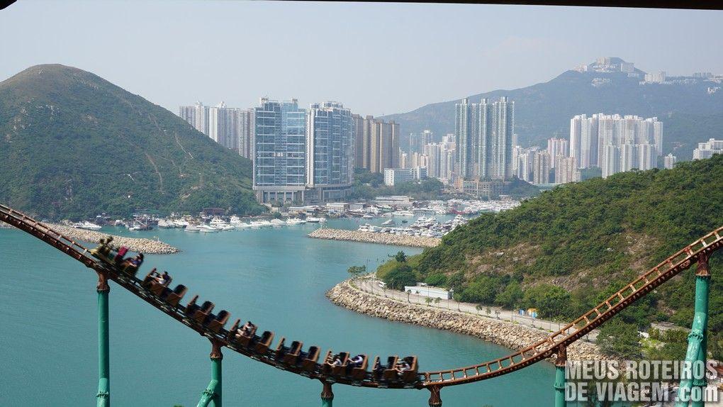 "Montanha-russa ""Mine Train"" - Ocean Park, Hong Kong"