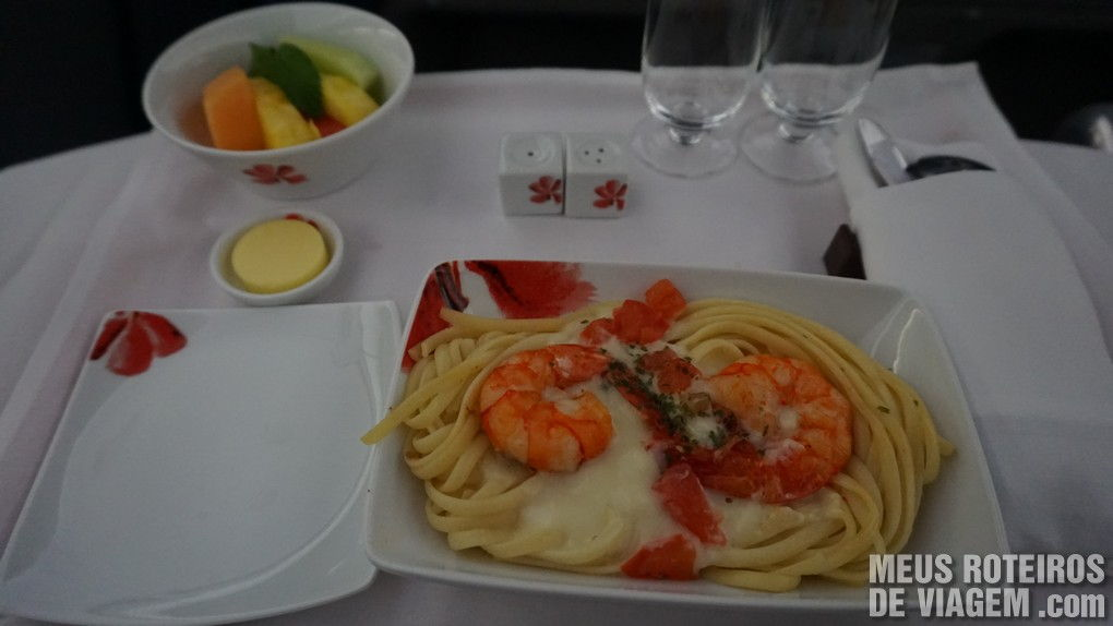 Serviço de bordo na classe executiva da Hong Kong Airlines