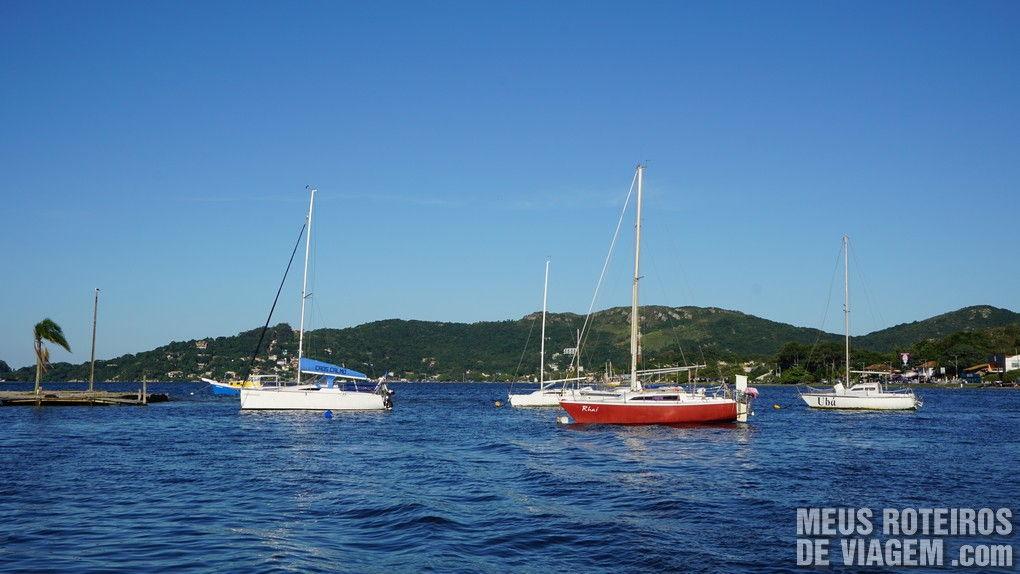 Barcos na Lagoa da Conceição - Florianópolis