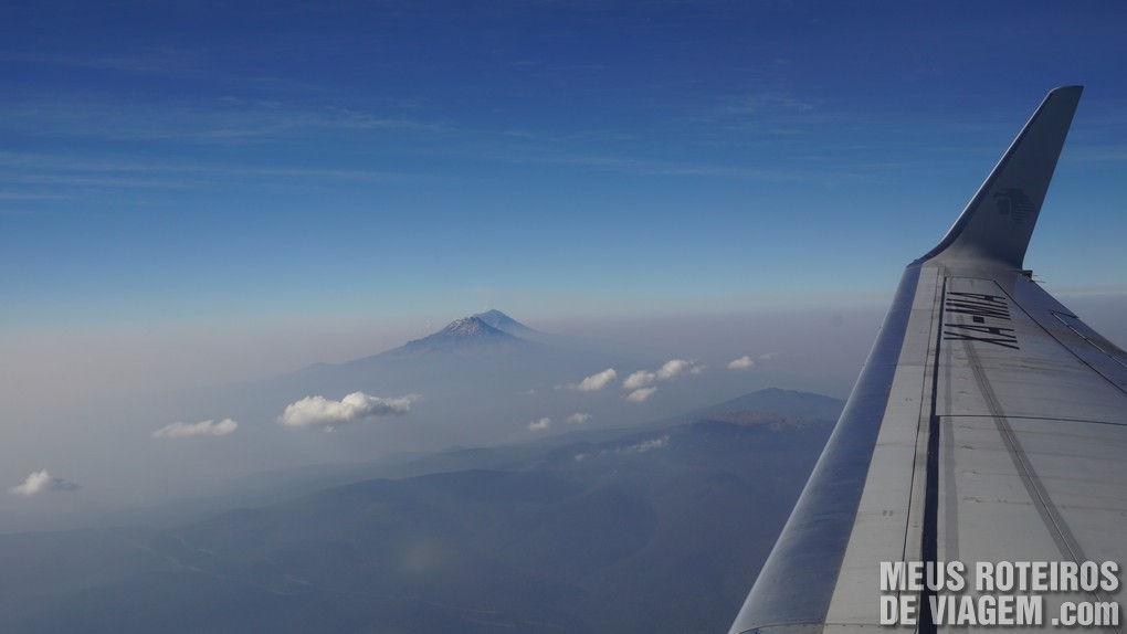 Montanhas no voo para Cancun