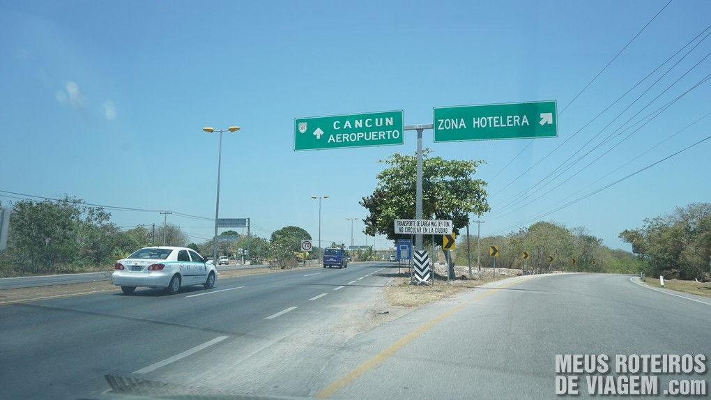Placa de acesso à zona hoteleira de Cancún