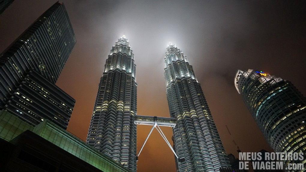 Petronas Towers à noite - Kuala Lumpur, Malásia