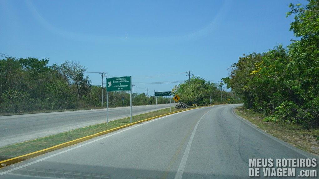 Acesso à Carretera Costera Sur - Cozumel, México