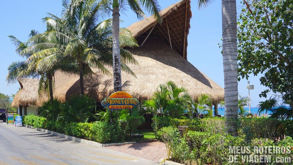 The Money Bar - Restaurante e Beach Club - Cozumel, México