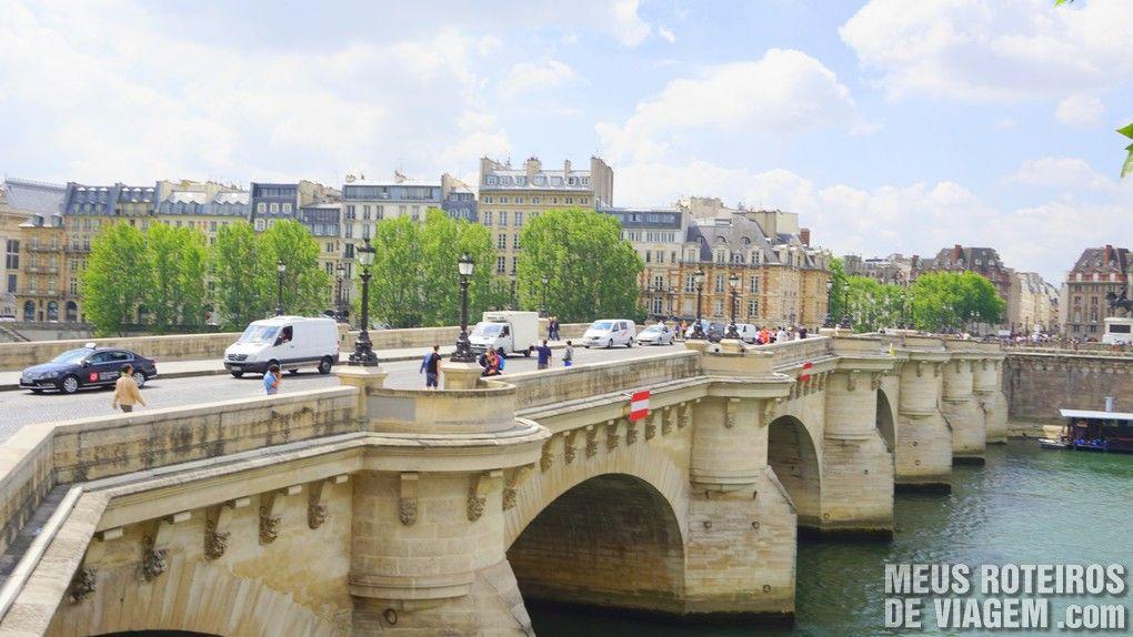 Ponte sobre o Rio Sena - Paris, França