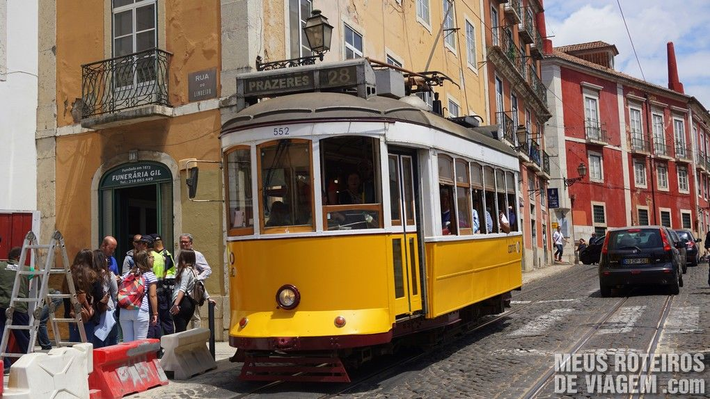 Bonde de Lisboa no bairro Alfama