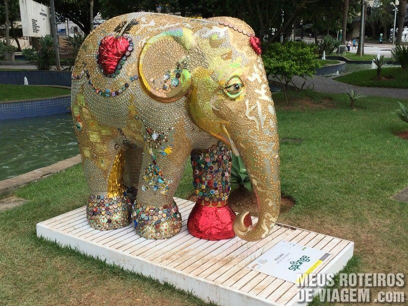 """Elefante """"Relicário"""", por Elisa Vieira Queirós"""