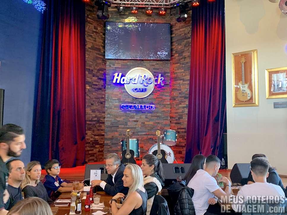Palco para shows no Hard Rock Café Gramado