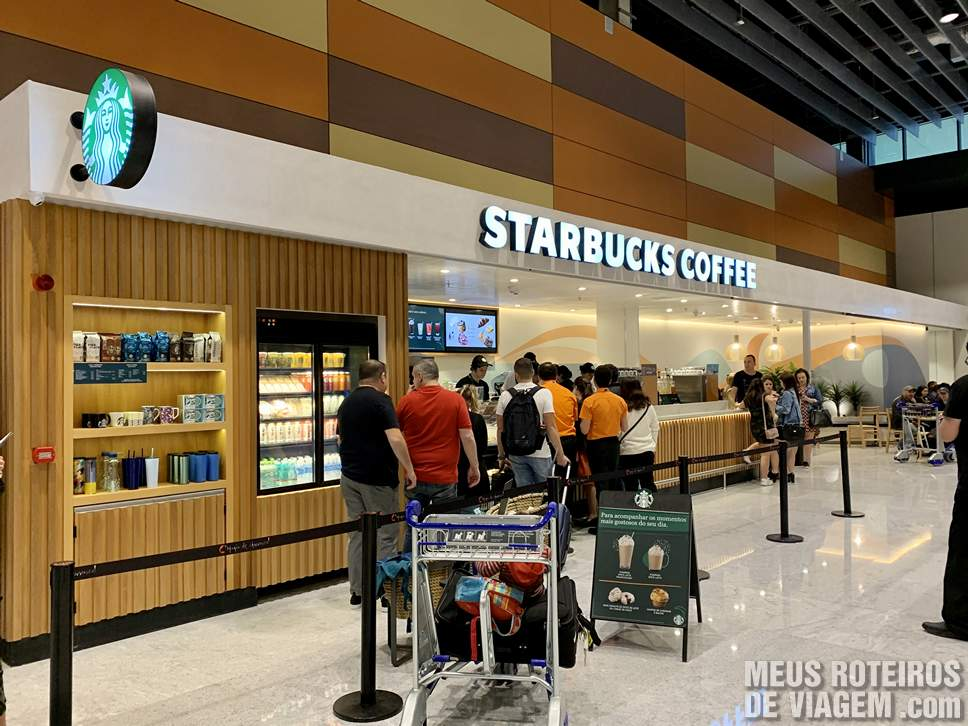 Starbucks na área de check-in do Floripa Airport