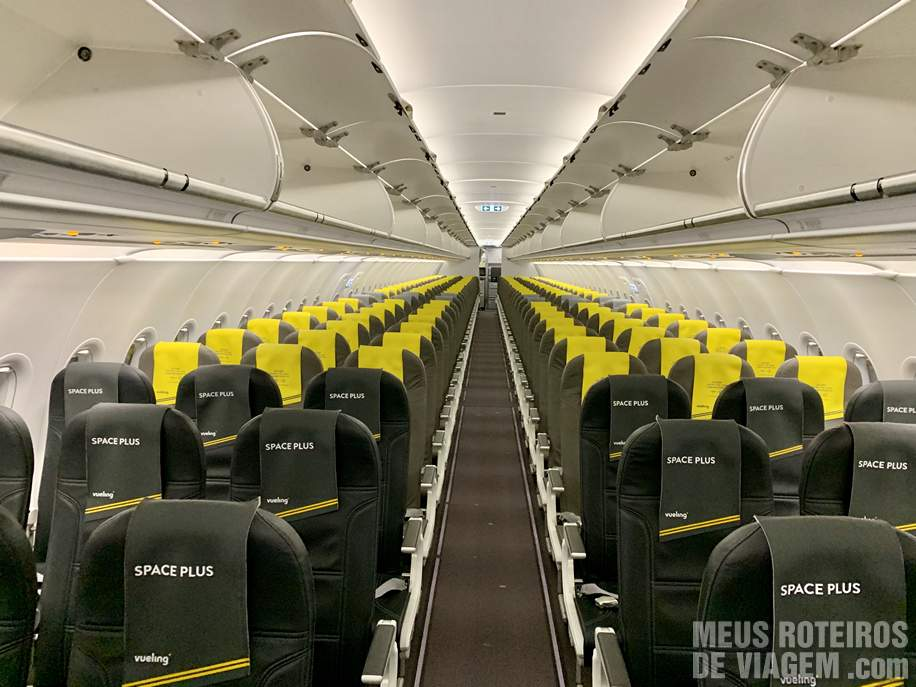 Interior do A320 da Vueling Airlines