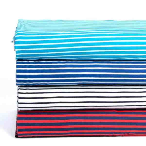 Stoffonkel- marineblauw/ fris rood streepjes met blauw Aangepast