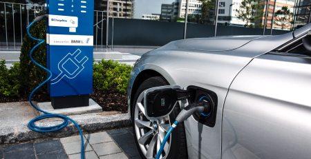 El gobierno alemán liberó incentivos para los vehículos eléctricos, se pretende entregar $ 1,4 mil millones de Euros en beneficio de los usuarios.