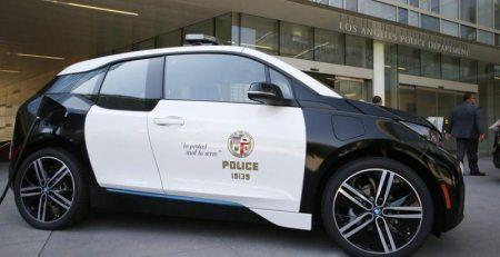 LAPD recibirá 100 unidades de vehículos eléctricos BMW i3 que serán usados únicamente para el transporte de los policías.
