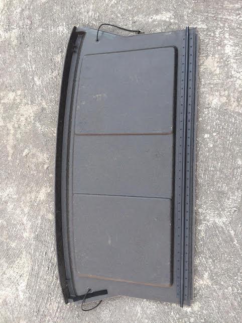 Cubierta De Cajuela Usada Para Ford Escort 1995