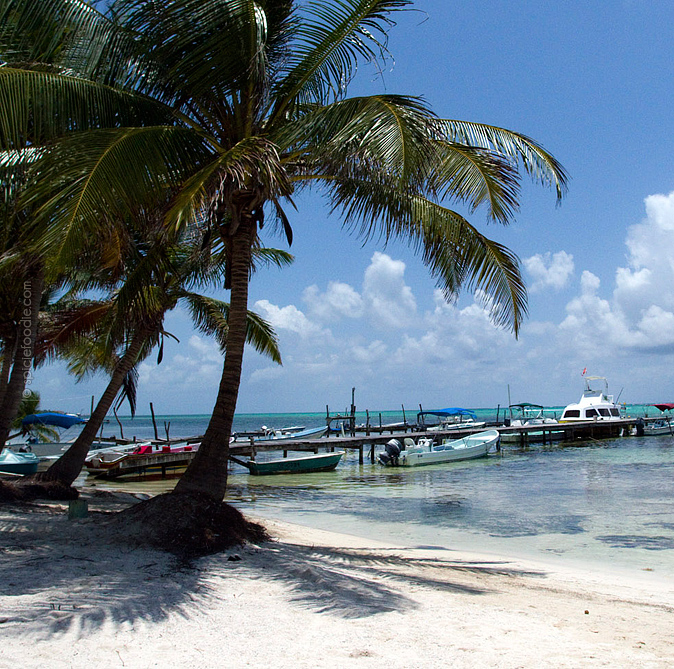 How To Get To Ambergris Caye, Belize For A Tropical Getaway | #travel #AmbergrisCaye #SanPedro