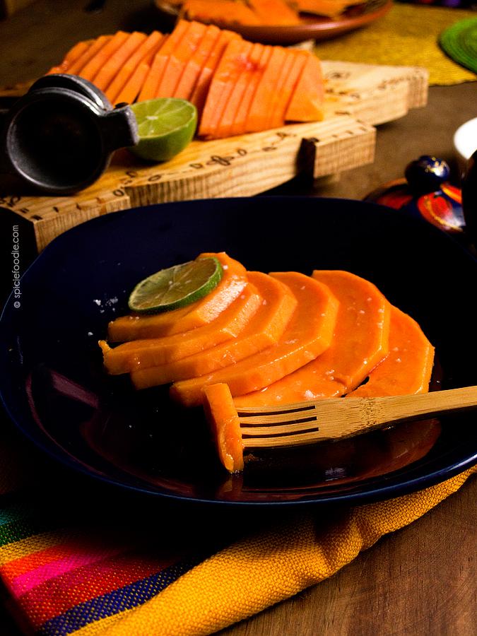 How to Cut a Papaya and The Most Delicious Way to Eat a Papaya