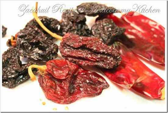 Zacahuil prepara esta deliciosa receta con chiles