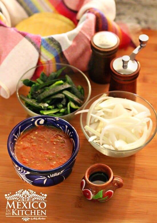 tacos de chile poblano asado y queso, ingredientes
