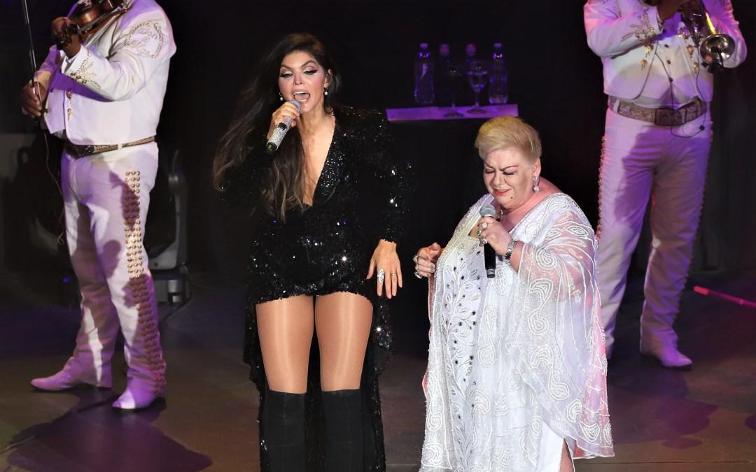 Como reinas, Ana Bárbara y Paquita la del Barrio en el Auditorio