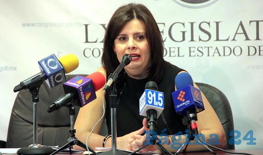 Pide diputada Medina Ortiz que médicos reciban trato humano