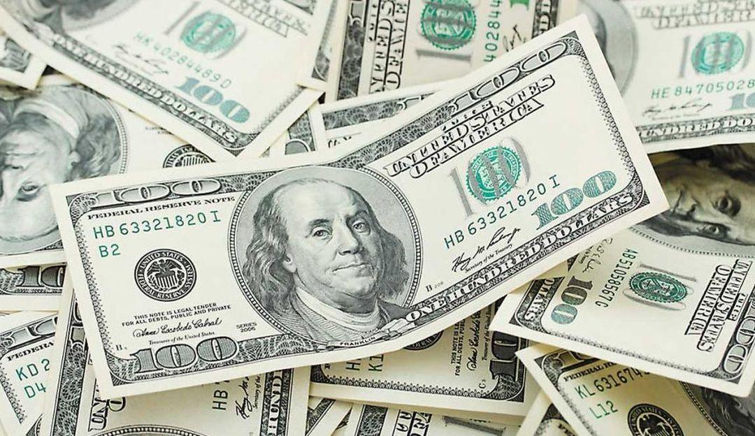 Se vende dólar en 19.47 pesos  en bancos