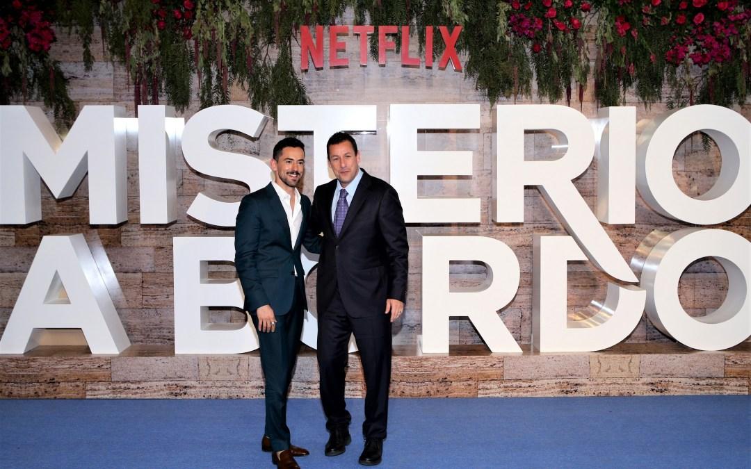 De lujo la premier de «Misterio a Bordo» con Sandler y Méndez