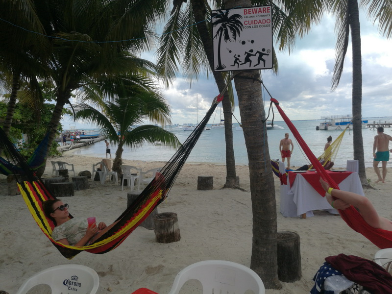 http://www.mexicotravelshop.com/what-we-can-do-on-yacht-at-cancun-isla-mujeres/