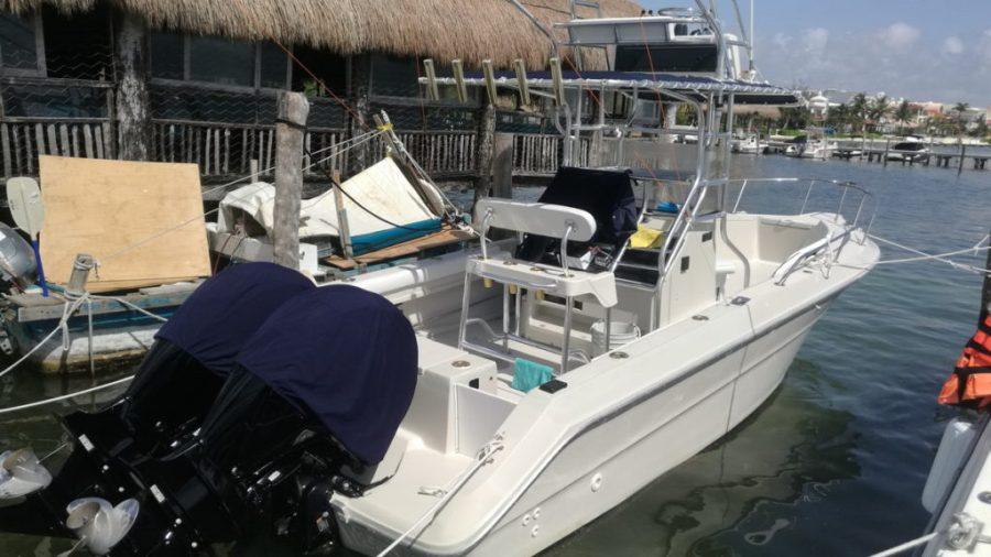 Bote pesca Cancun