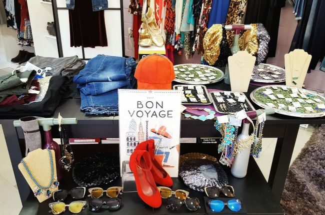 Spring Closet Makeover with Eye Candy Boutique!