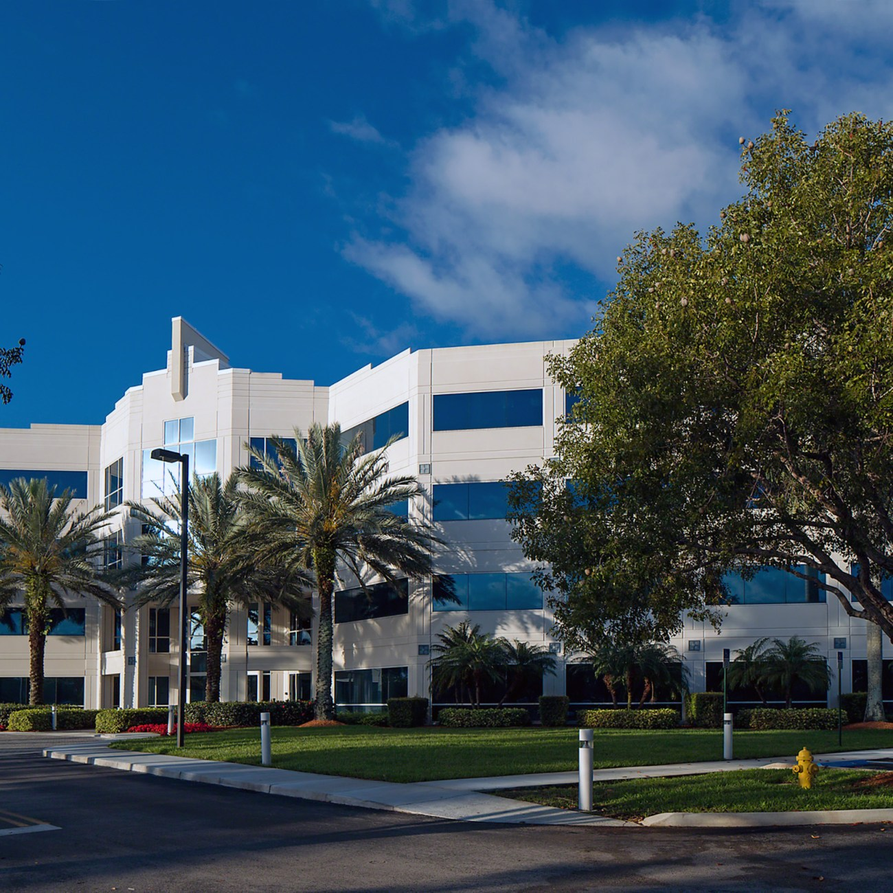 Cushman & Wakefield Negotiates Two New Leases at 1551 Sawgrass Centre