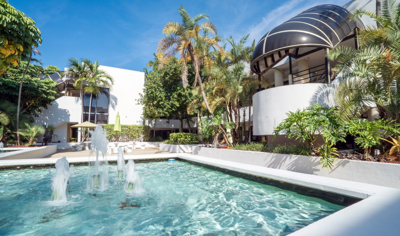 Cushman & Wakefield Negotiates $9.3M Sale of Executive University Courts