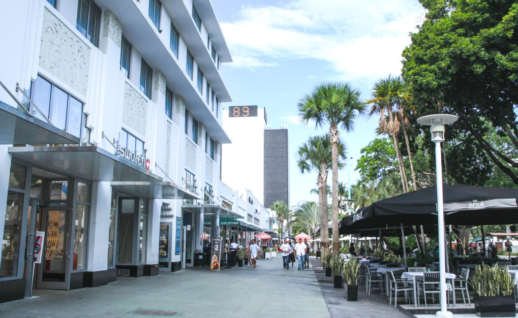Lincoln Road in Miami, FL | Source: Cushman & Wakefield