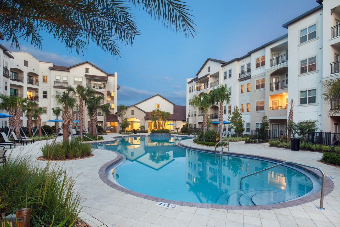 Cushman & Wakefield Negotiates Sale and Financing of Murano Apartments in Orlando