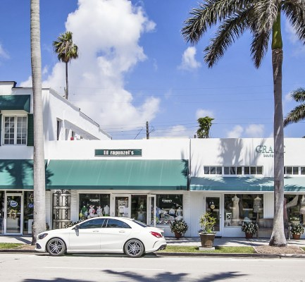 Cushman & Wakefield Negotiates Sale of Core Palm Beach Mixed-Use Asset