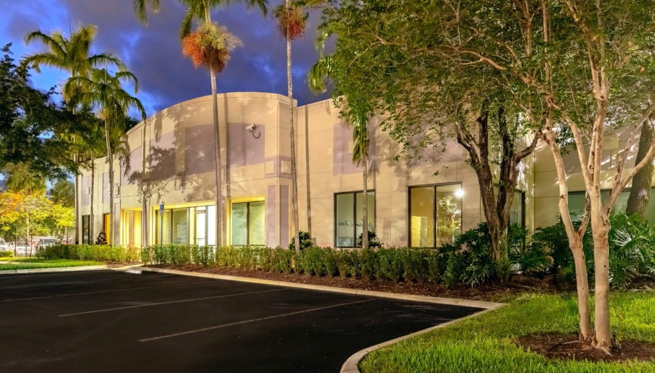 ‌Cushman & Wakefield Negotiates $32.65M Sale and $21.25M Financing of Sawgrass Village