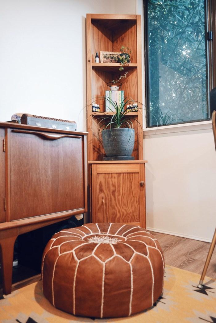 corner plant shelf