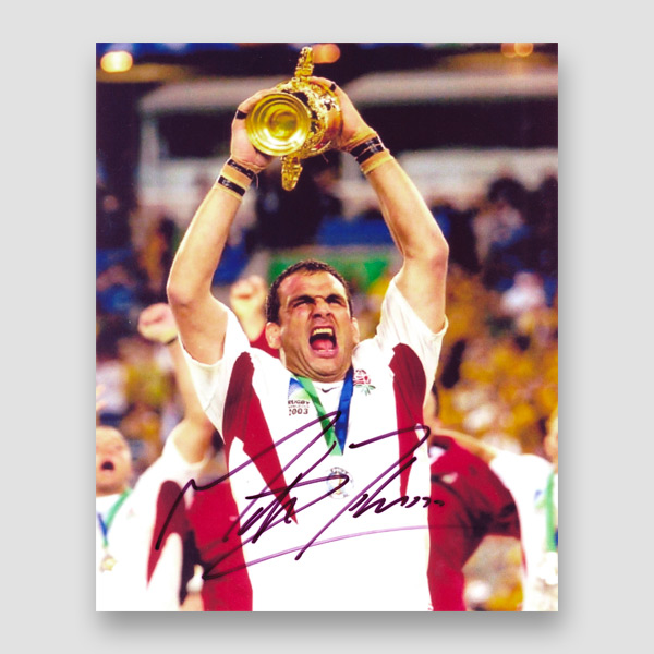 36-Martin-Johnson-(Captain)-signed-2003-World-Cup-winner-photo