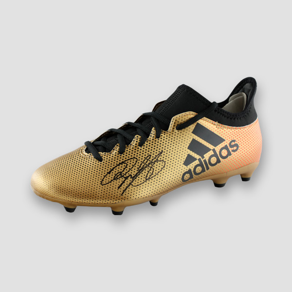 Ryan-Giggs-signed-football-boot