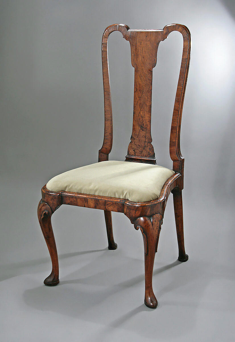 & Queen Anne Style Furniture