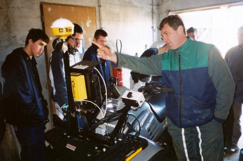 Archives anciens élèves mfr puy-sec 2000 Visite ferme 1
