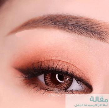 تكبير العيون بواسطة المكياج الكوري
