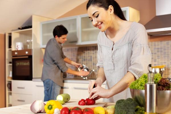 امور تجعل زوجك يساعدك في أمور المنزل