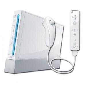 Wii: Nintendo Wii konsoli  (Valkoinen) + ohjaimet ja kaikki tarvikkeet (käytetty)