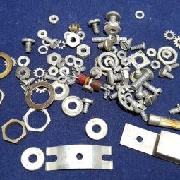 Hammarlund HQ-140-X Original Screws Used