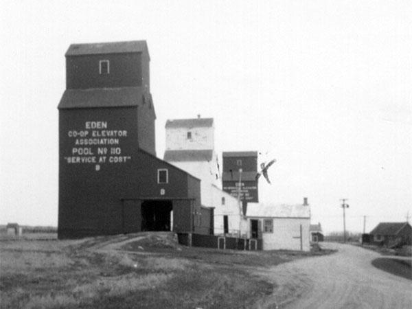 Historic Sites Of Manitoba Manitoba Pool Grain Elevator