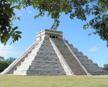 Meet Kenneth Treister discussing and signing Maya Architecture: Temples in the Sky