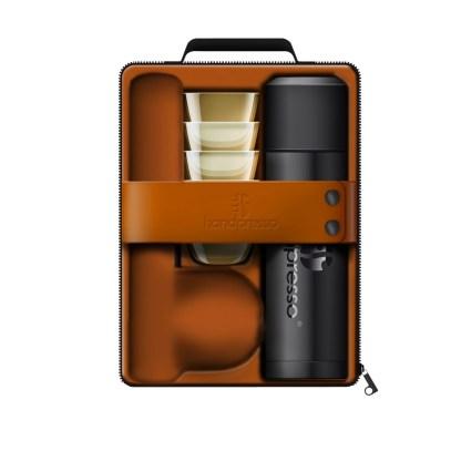 Travel case with Wild Hybrid Handpresso machine, flask and cups