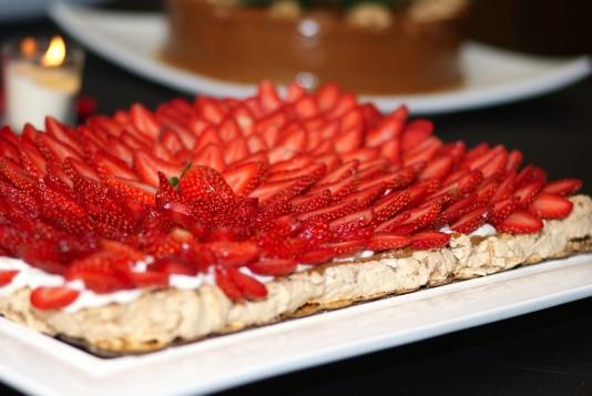 pavlova, best desserts in Miami, Miamicurated